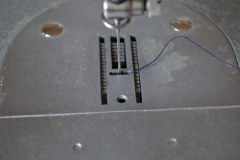 Игольная пластина швейной машины Чайка