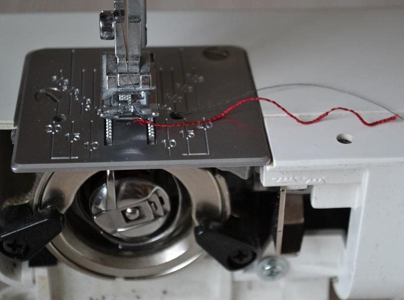 Как шить на швейной машине ниткой-резинкой