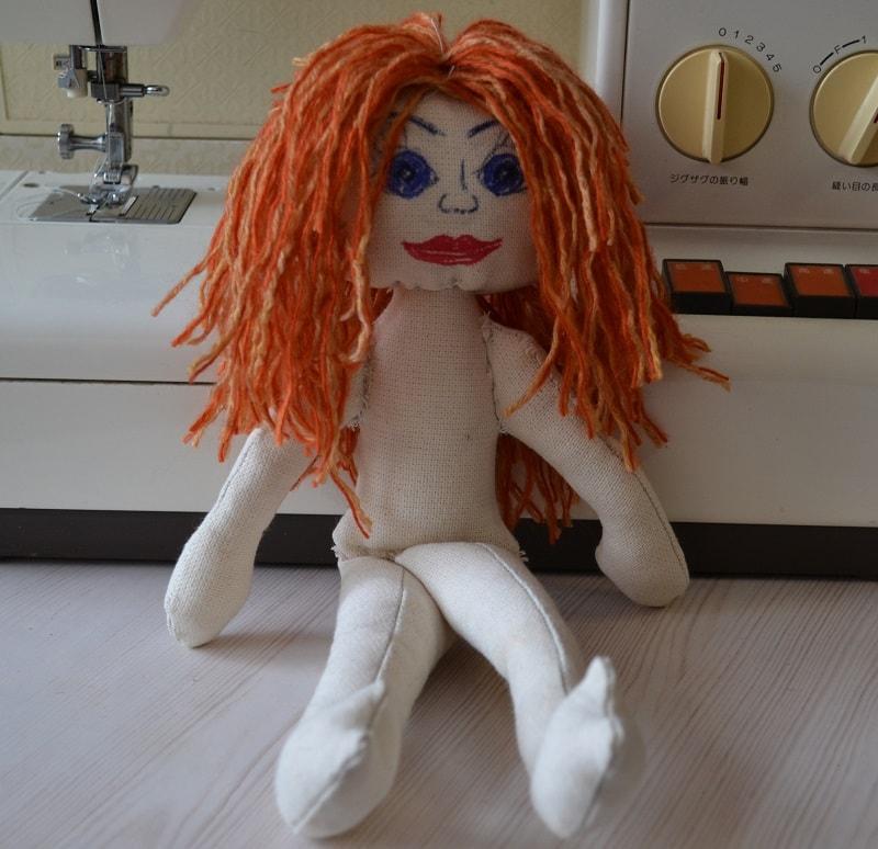 Как из ниток сделать волосы для куклы 705